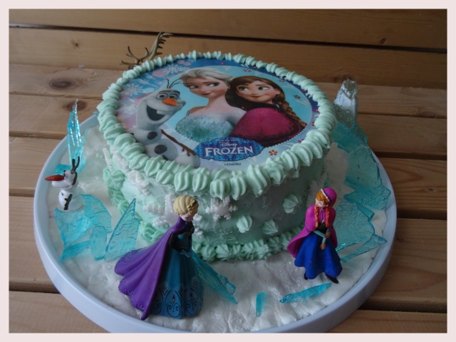 gâteau aux fraises et chocolat blanc « la reine des neiges | «c